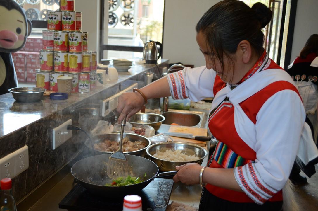 丽江厨房——带吃货们走进社区,领略少数民族美食文化图片